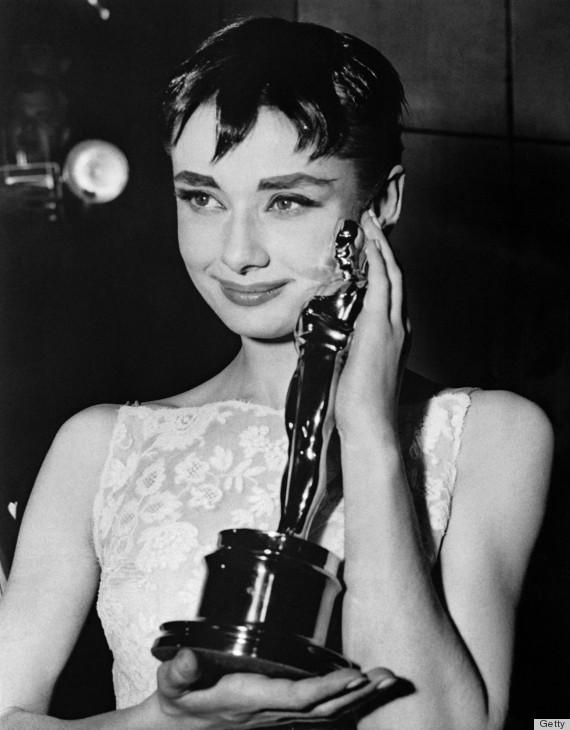 Emocionada por ter ganho o Oscar
