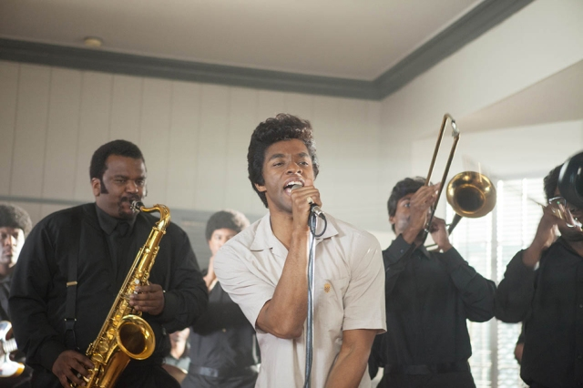 foto-chadwick-boseman-en-get-on-up-043