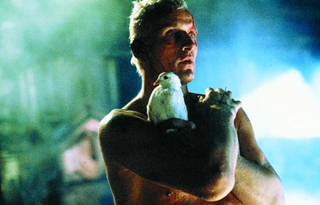 Rutger Hauer em cena de Blade Runner