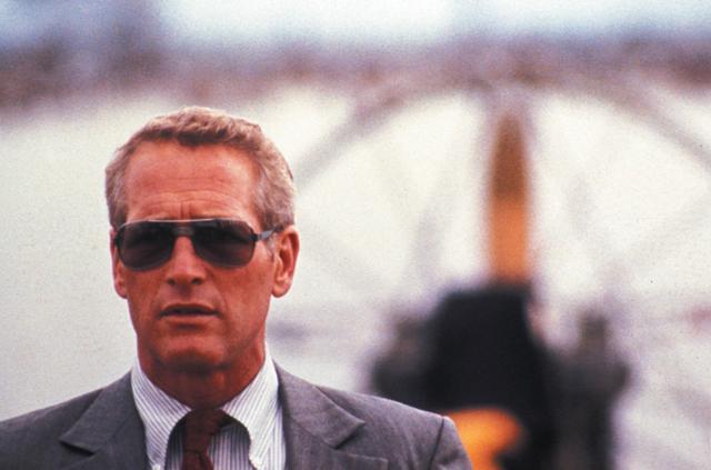 Paul Newman em cena de A Piscina Mortal